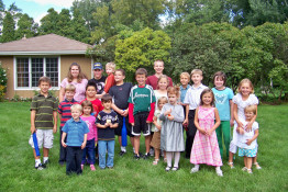 Children on picnic organized by Immaculate Conception Ukrainian Church at Palatine
